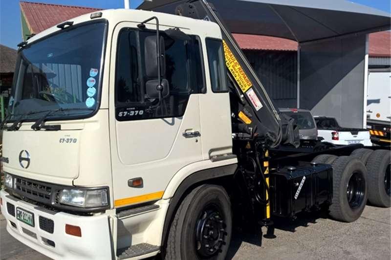 Hino double axle 57-370 HIAB 144B CRANE Truck-Tractor
