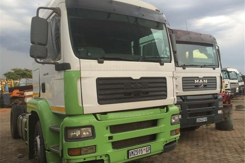 MAN Cattle body TGA 14-410 Truck