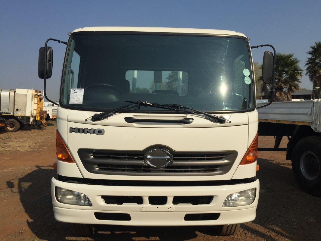 Hino 15-257 Fridge Truck
