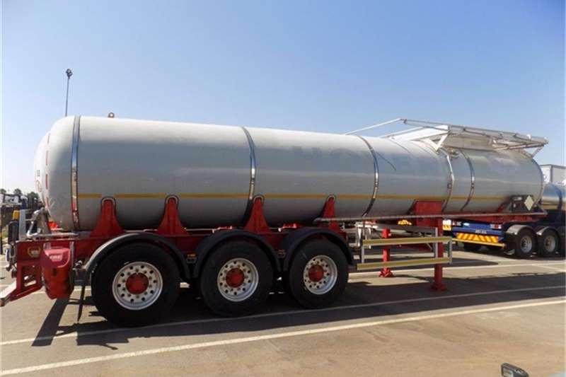GRW Fuel tanker Tridem Semi SS 17700L 1 Trailers