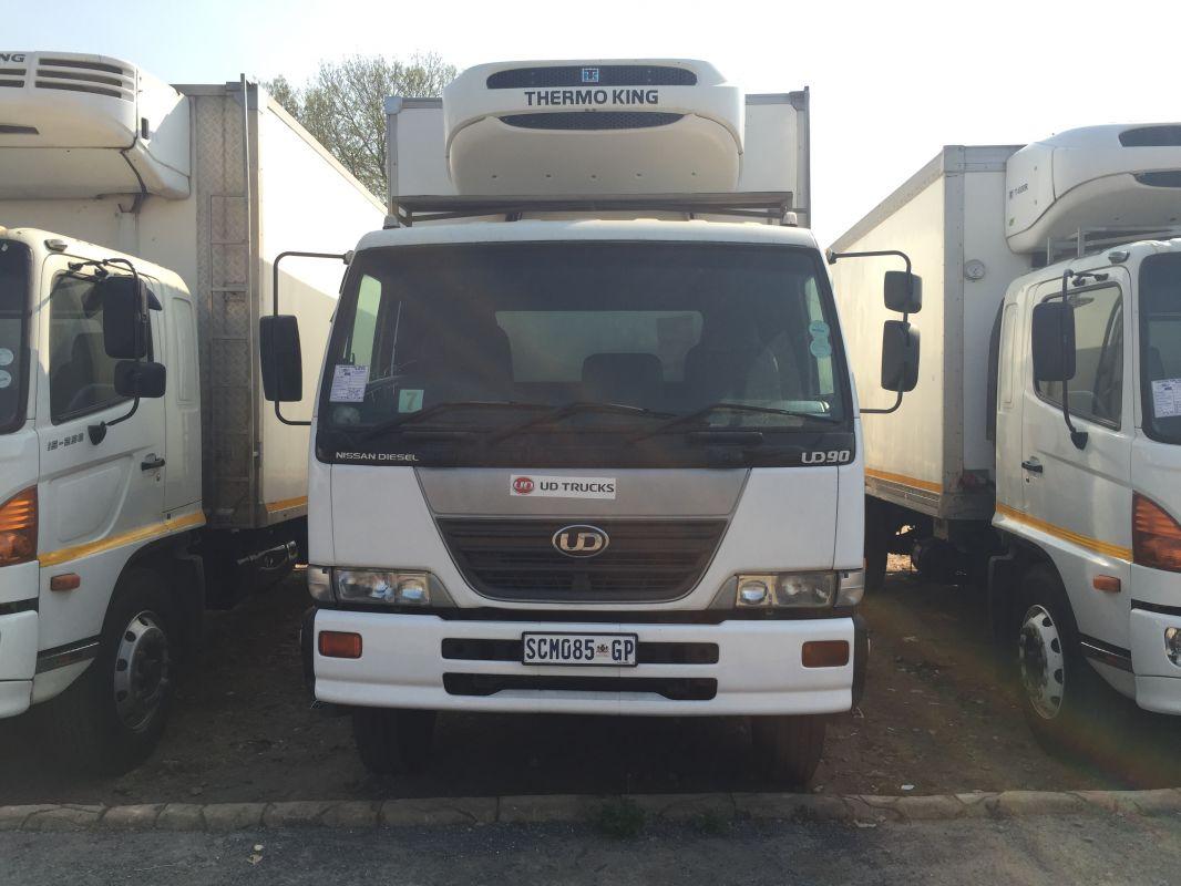 Nissan UD90 Fridge Trucks