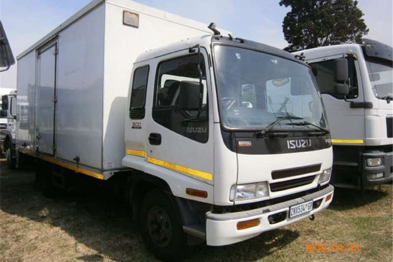 Isuzu Closed body FRR500 Truck