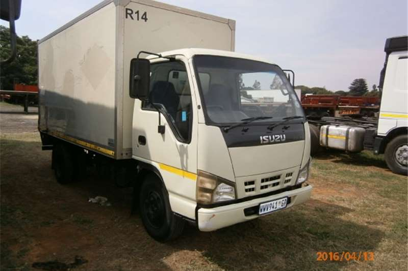 Isuzu Closed body NKR250 Truck