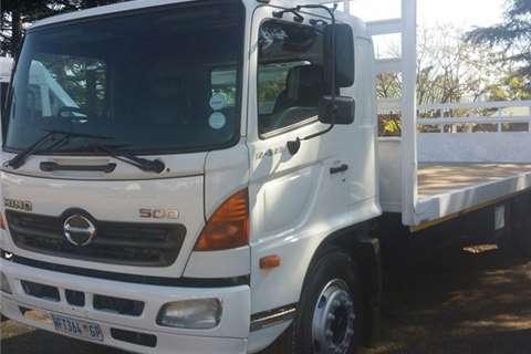 Hino Hino 15-258 Truck