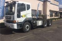 Tata double axle 4XDEMO 7548 V3TXF 6X4 T/T Truck-Tractor